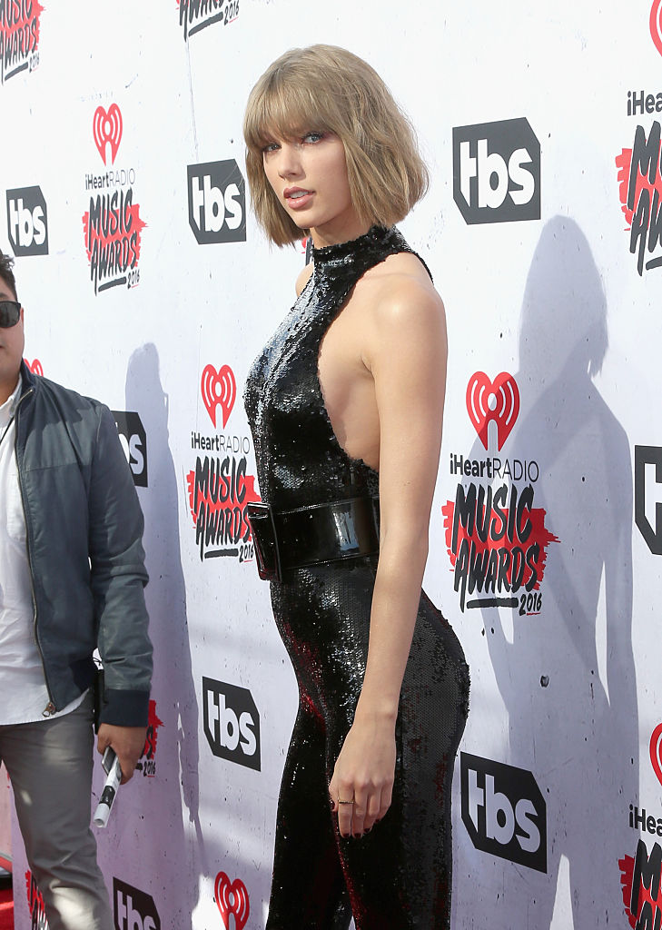 Taylor Swift Butt Implant Rumors Circulate Following Iheartradio Music Awards 2016 Appearance Mstarsnews